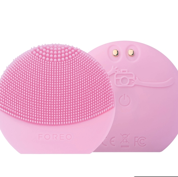 Foreo luna fofo cleansing brush